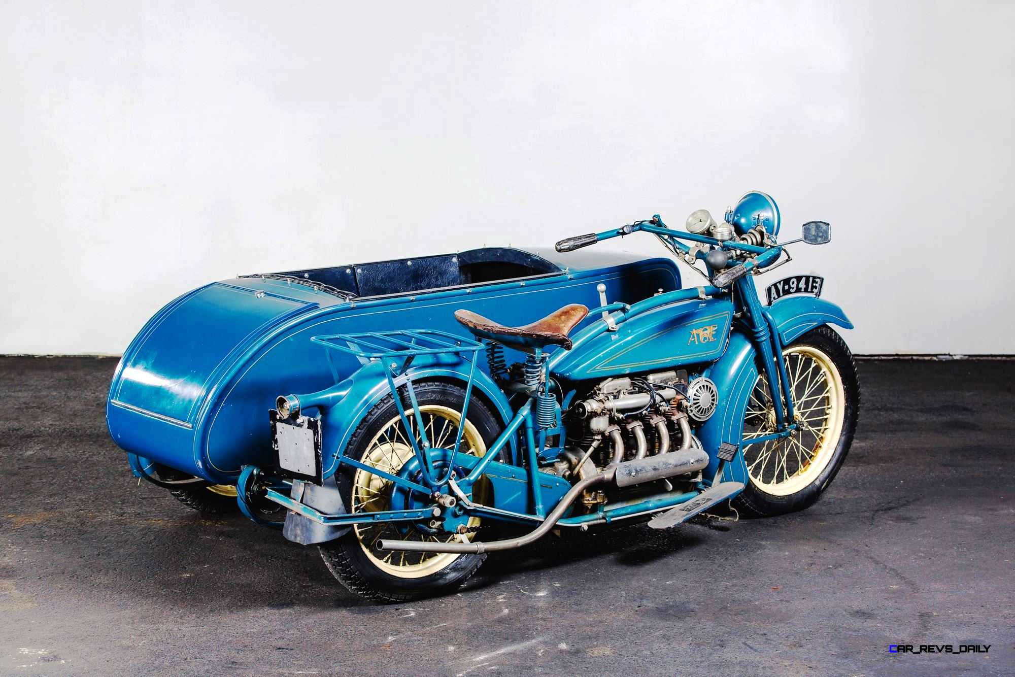 1925-Henderson-De-Luxe-with-Goulding-Sidecar-20.jpg