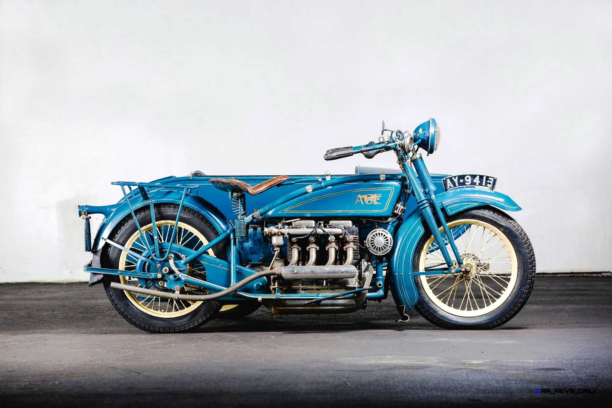 1925-Henderson-De-Luxe-with-Goulding-Sidecar-5.jpg