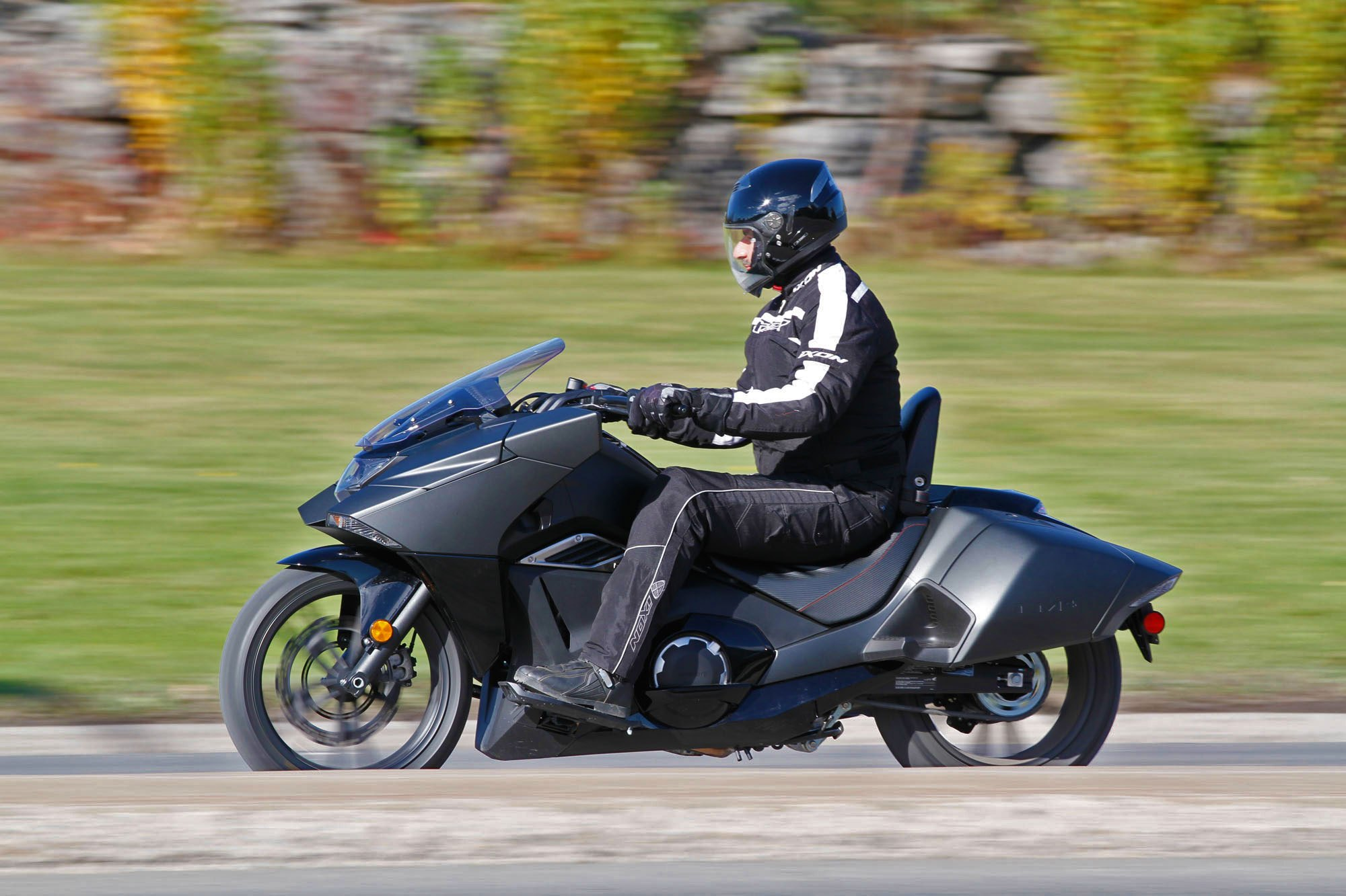 2015_Honda_NM4_ride_lhs.jpg