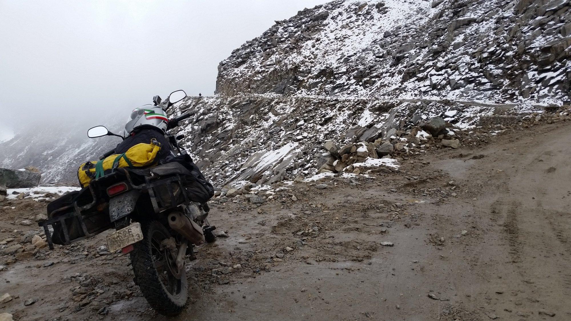 2018-09-08 Riding to Khardungla Pass again 03.jpg