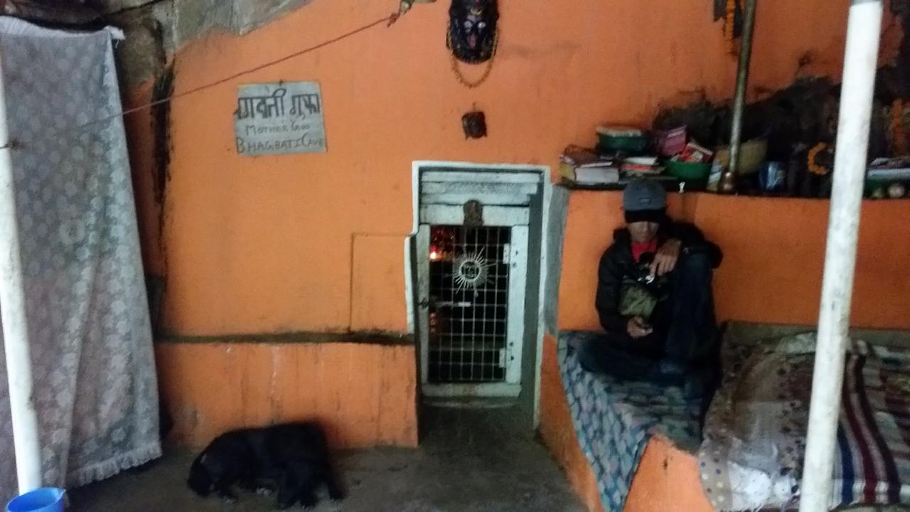 2018-10-07  Pashupati  area and caves08_1538906530366_30.JPG