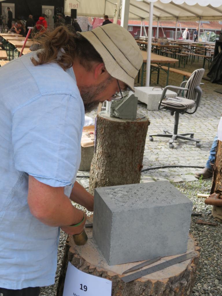 2019-06-22 Tronheim stone carvers 6_1561223878543_18.JPG