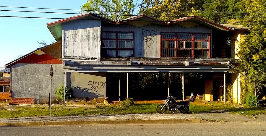 abandoned building 1.jpg