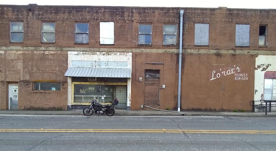abandoned jewelry store Overton.jpg