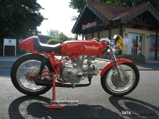 aermacchi_ala_doro_350_1968_1_lgw.jpg