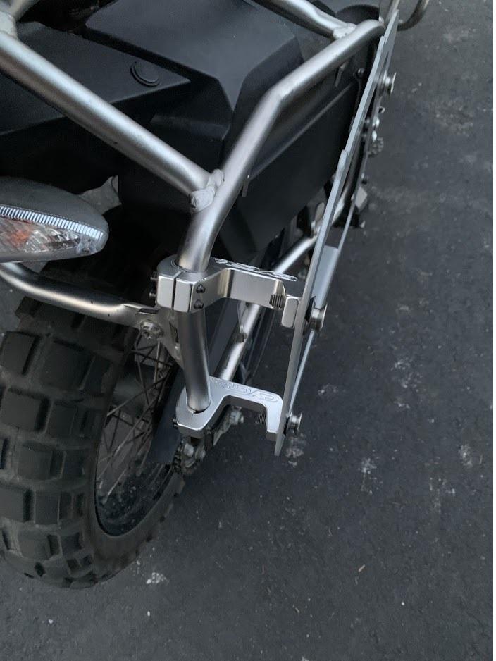 bmw side case mount r1.jpg