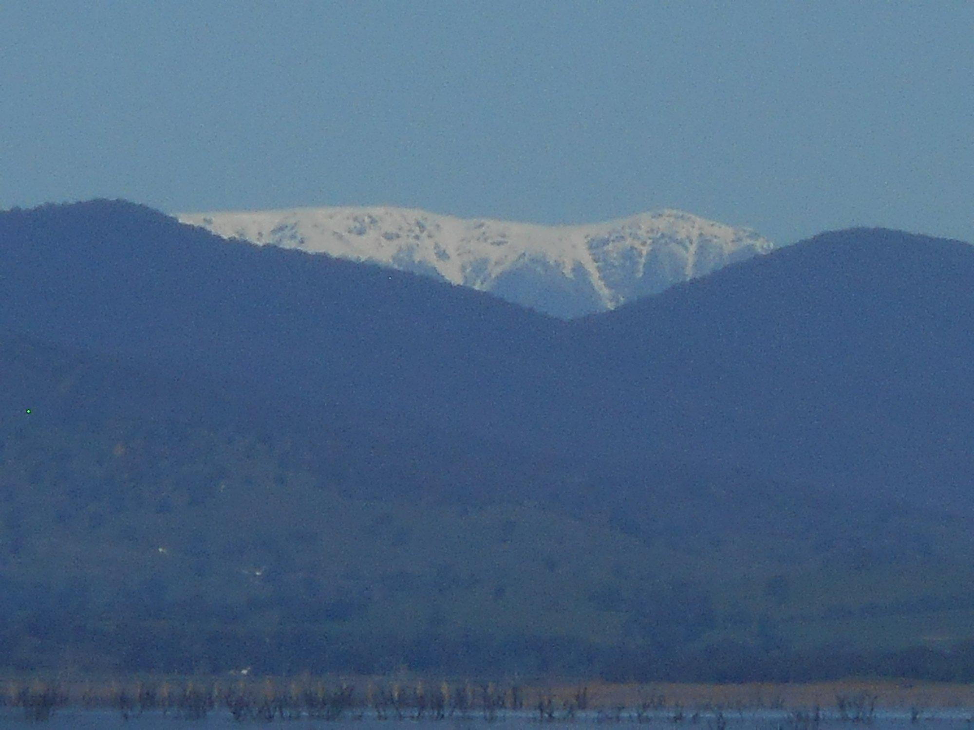Bogong over Lake Hume.JPG