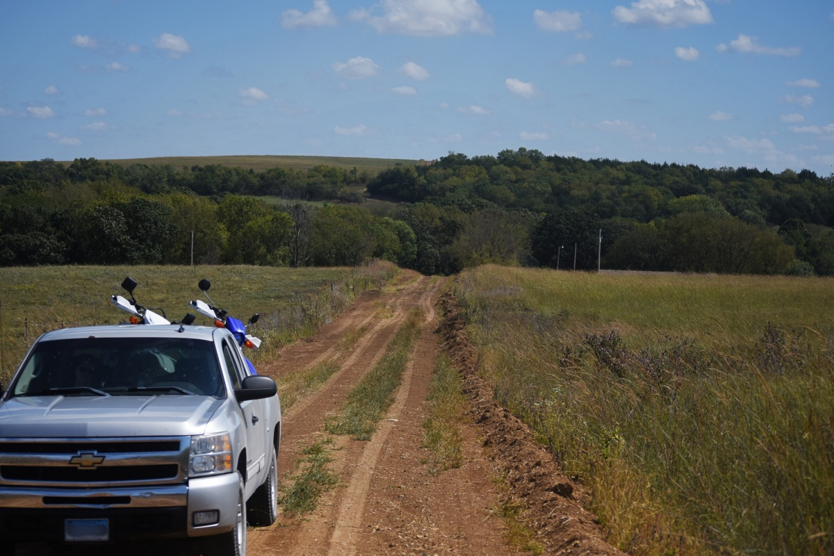 DSC_0336a Nebraska Dirt Road.JPG