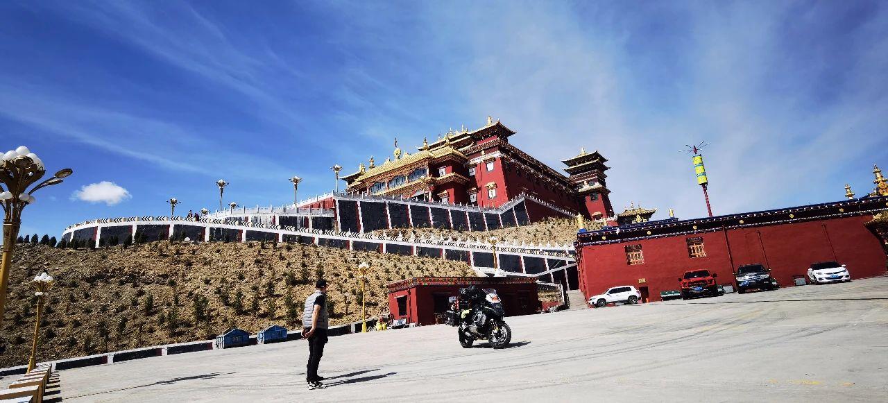 Explore the holy Yushu (8).jpg