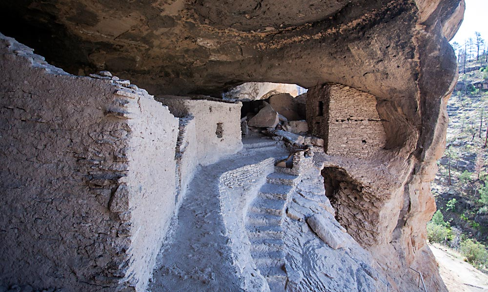 Gila-Cliff-Dwellings.jpg