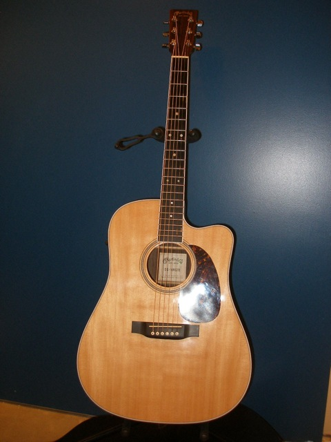 Guitar_front.jpg