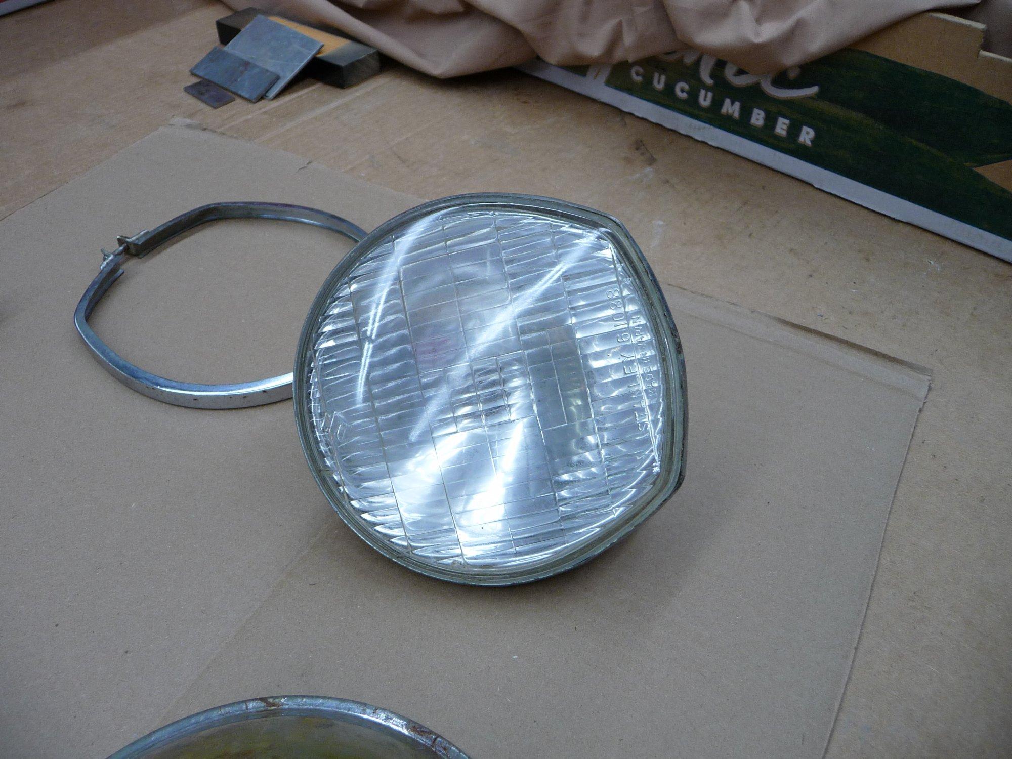 Headlight1 (1).JPG