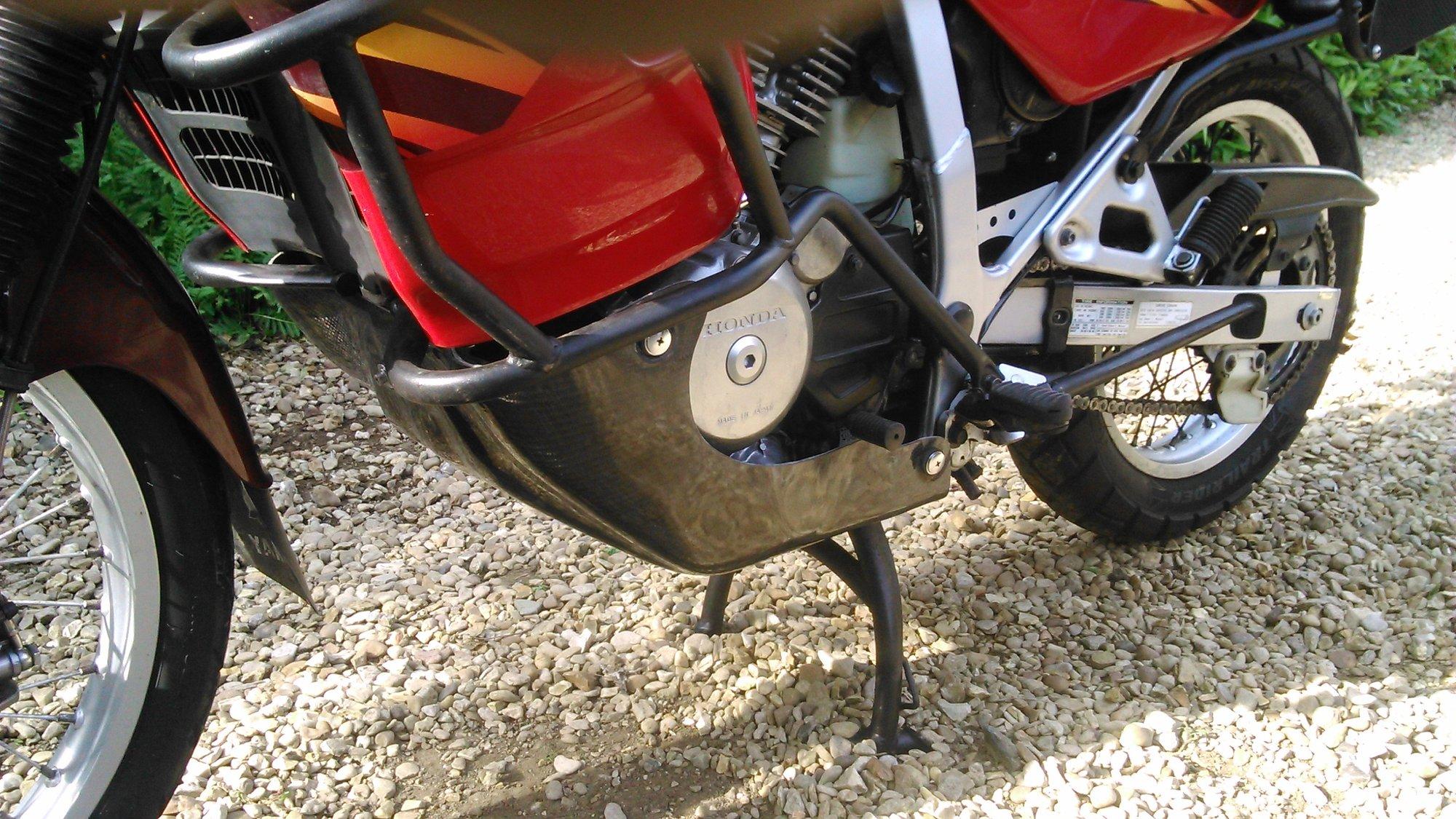 Honda transalp bashplate mk 2 fitted 1.JPG