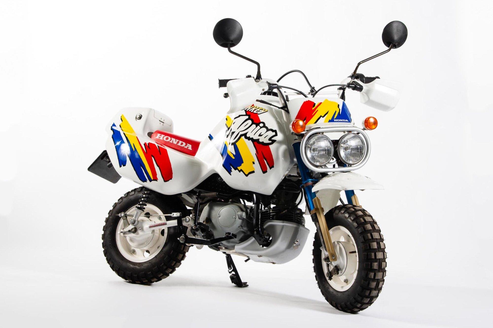 Honda-Z50J-Monkey-Baja-Africa-2048x1364.jpg