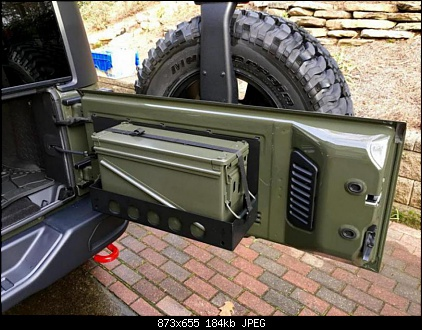 Jeep tank green.jpg