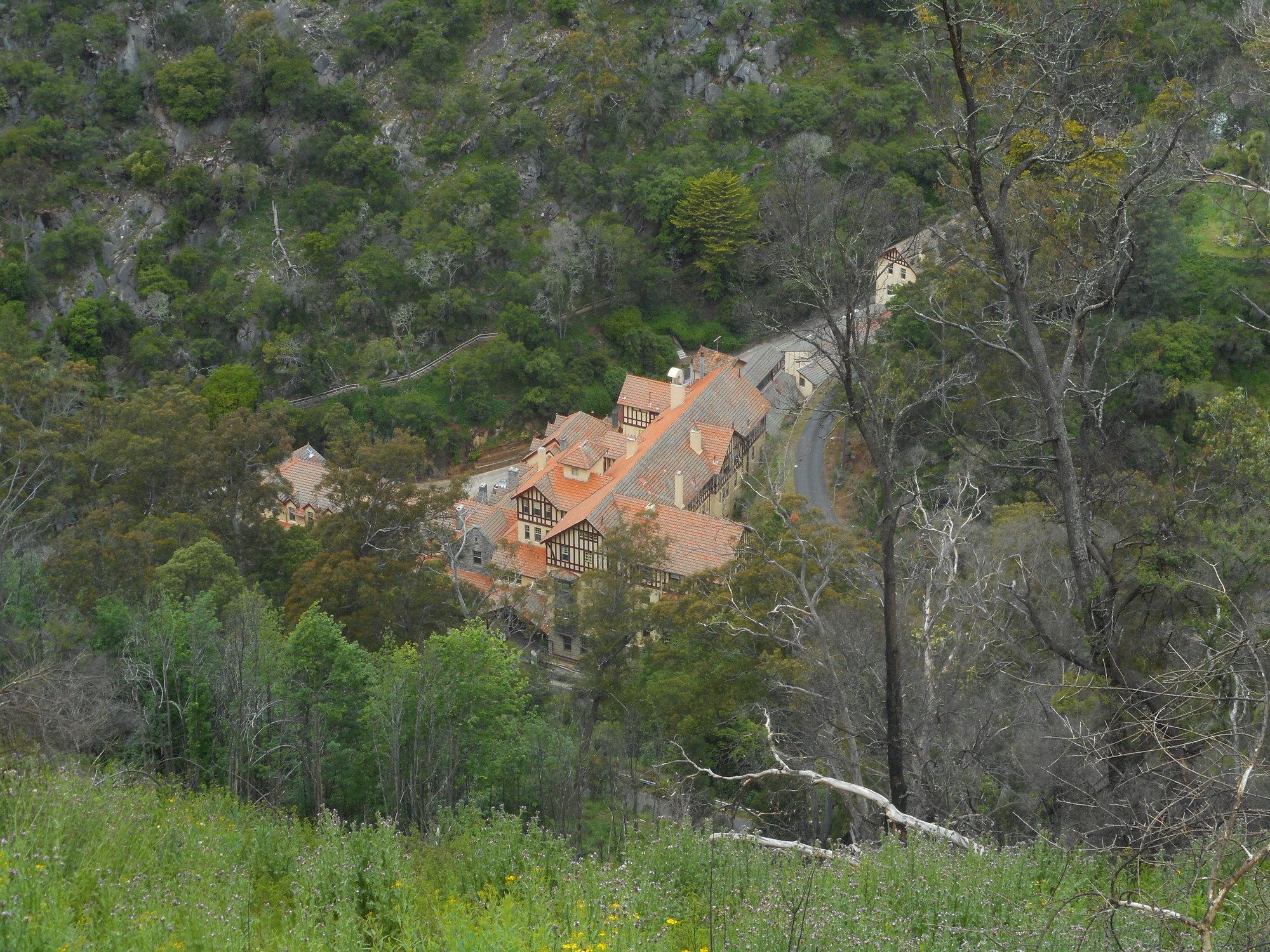 jenolan caves house.JPG
