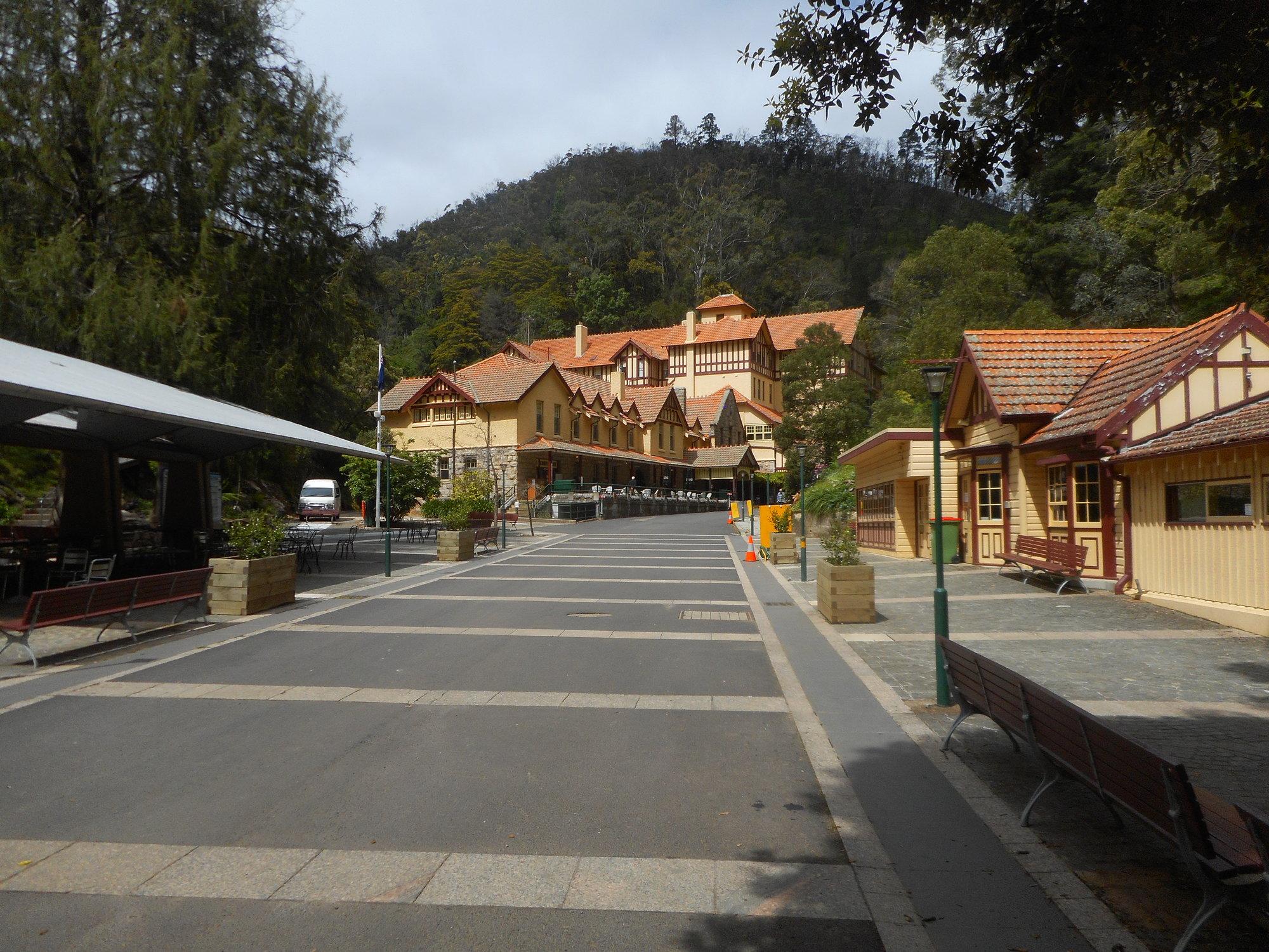 jenolan village.JPG