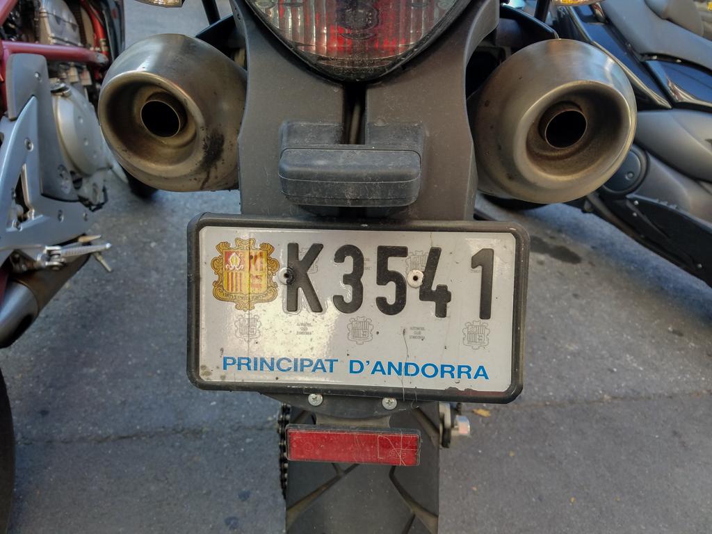 KTM-SR001.jpg