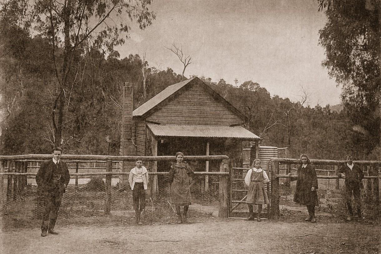 lankeys creek school 1912.jpg