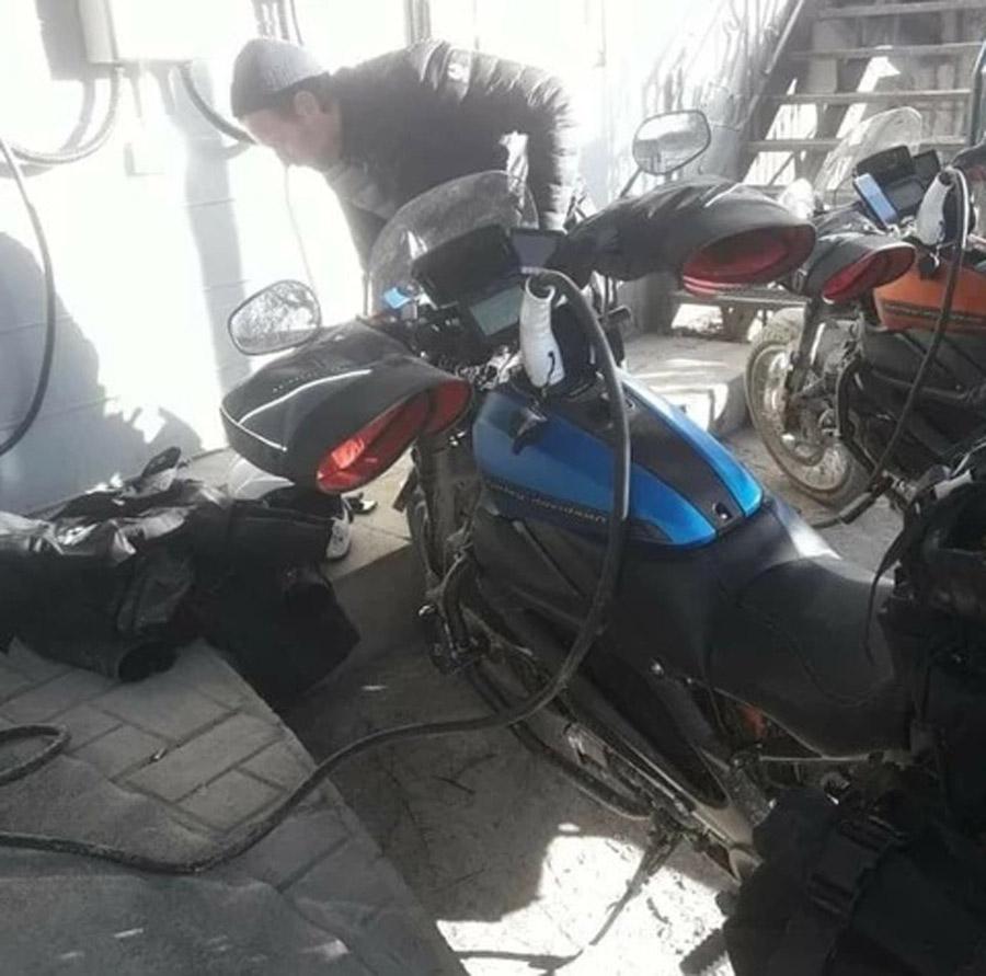 Long-Way-Up-Harley-Davidson-LiveWire-05.jpg