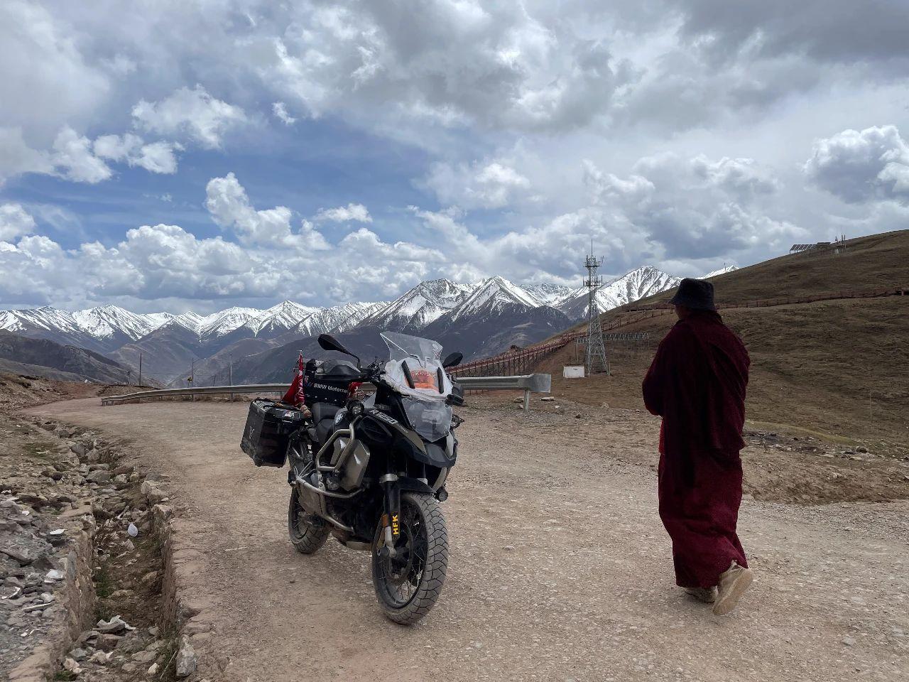 Meet the secret territory of eastern Tibet, the sky city Zizhu Temple (10).jpg