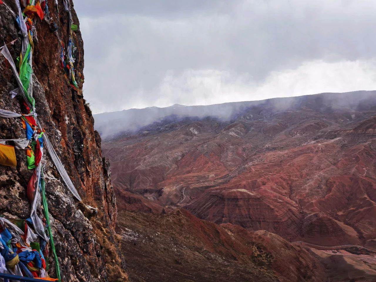 Meet the secret territory of eastern Tibet, the sky city Zizhu Temple (14).jpg