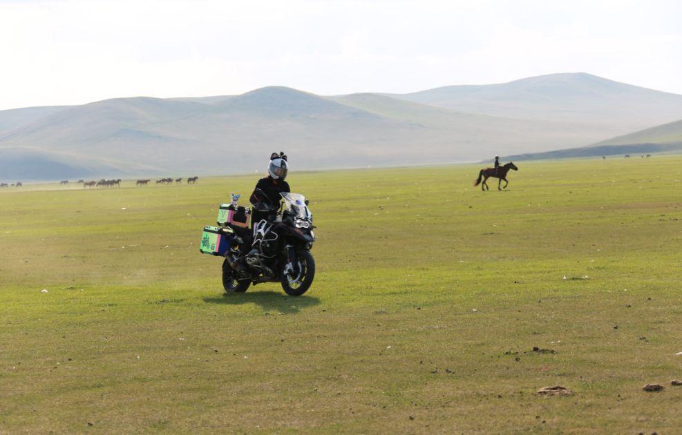 Motorcycle trip around the Hulunbeier Grassland-13.jpg