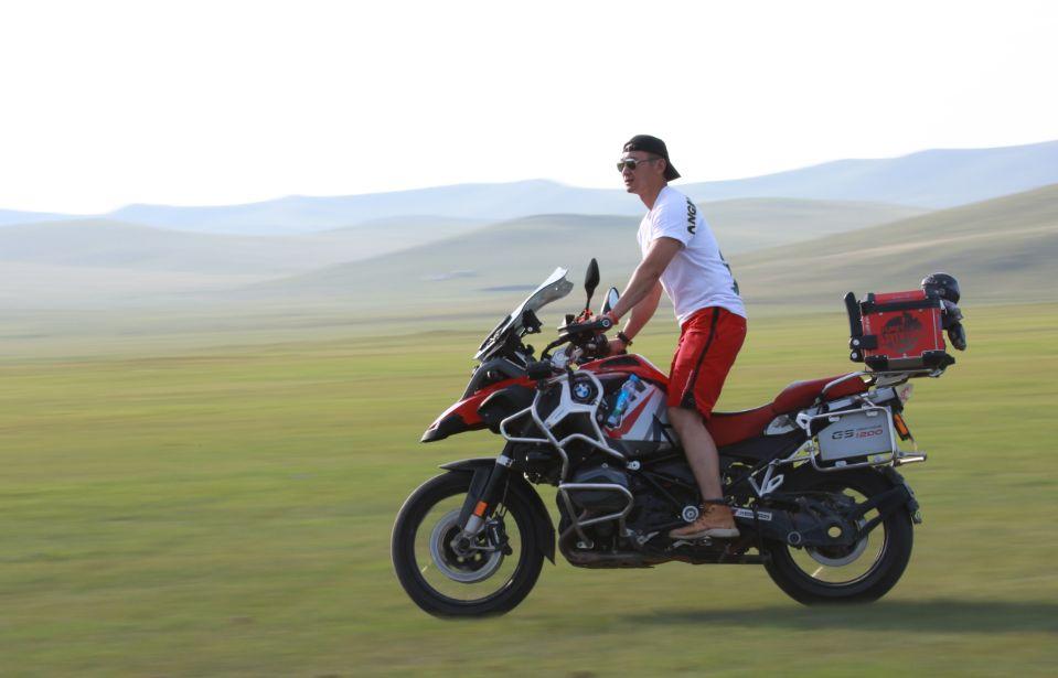 Motorcycle trip around the Hulunbeier Grassland-14.jpg