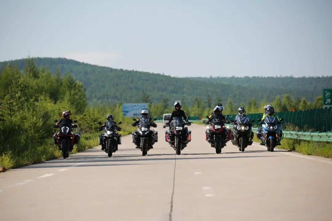 motorcycle trip in grassland-5.jpg