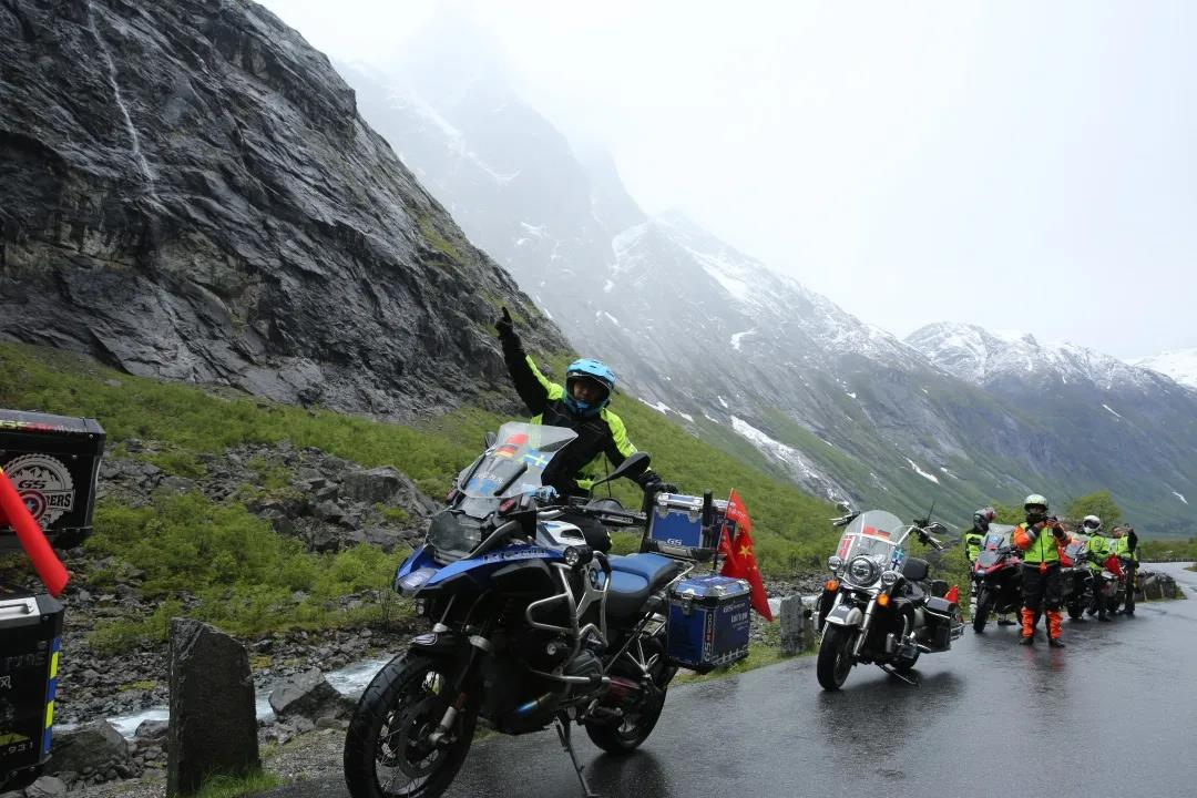 motorcycle trip in grassland-7.jpg