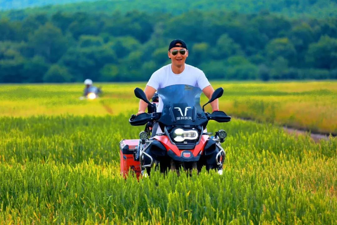 motorcycle trip in grassland-9.jpg