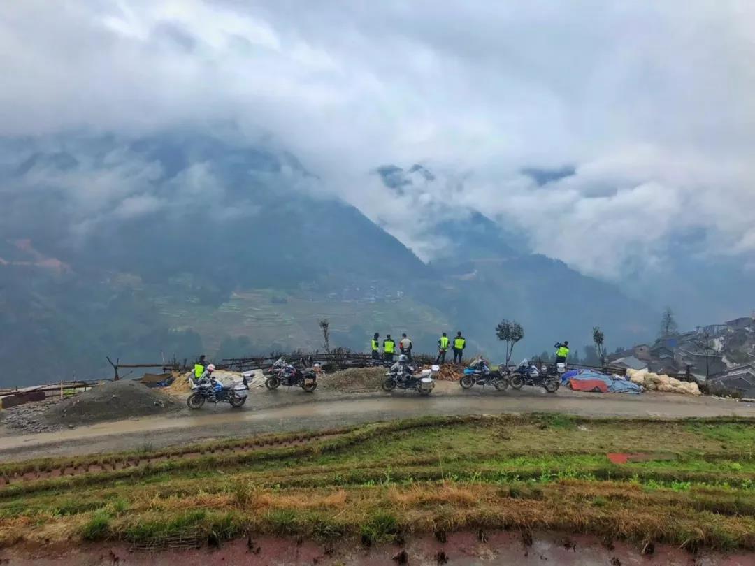 Motorcycle Trip in Guizhou Province-22.jpg
