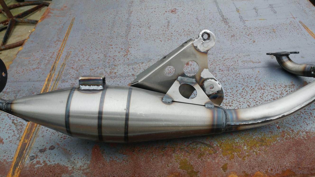 muffler welding.jpg