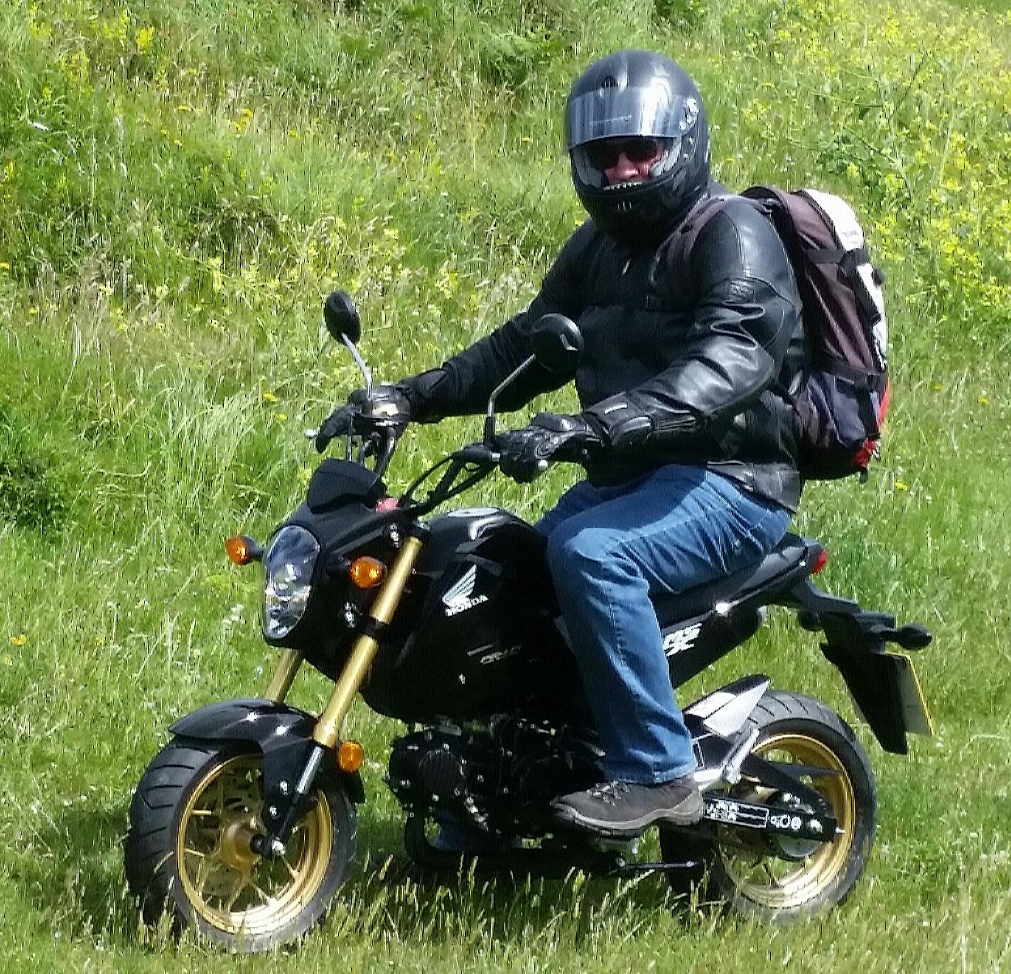 MX125 at Carrick.jpg