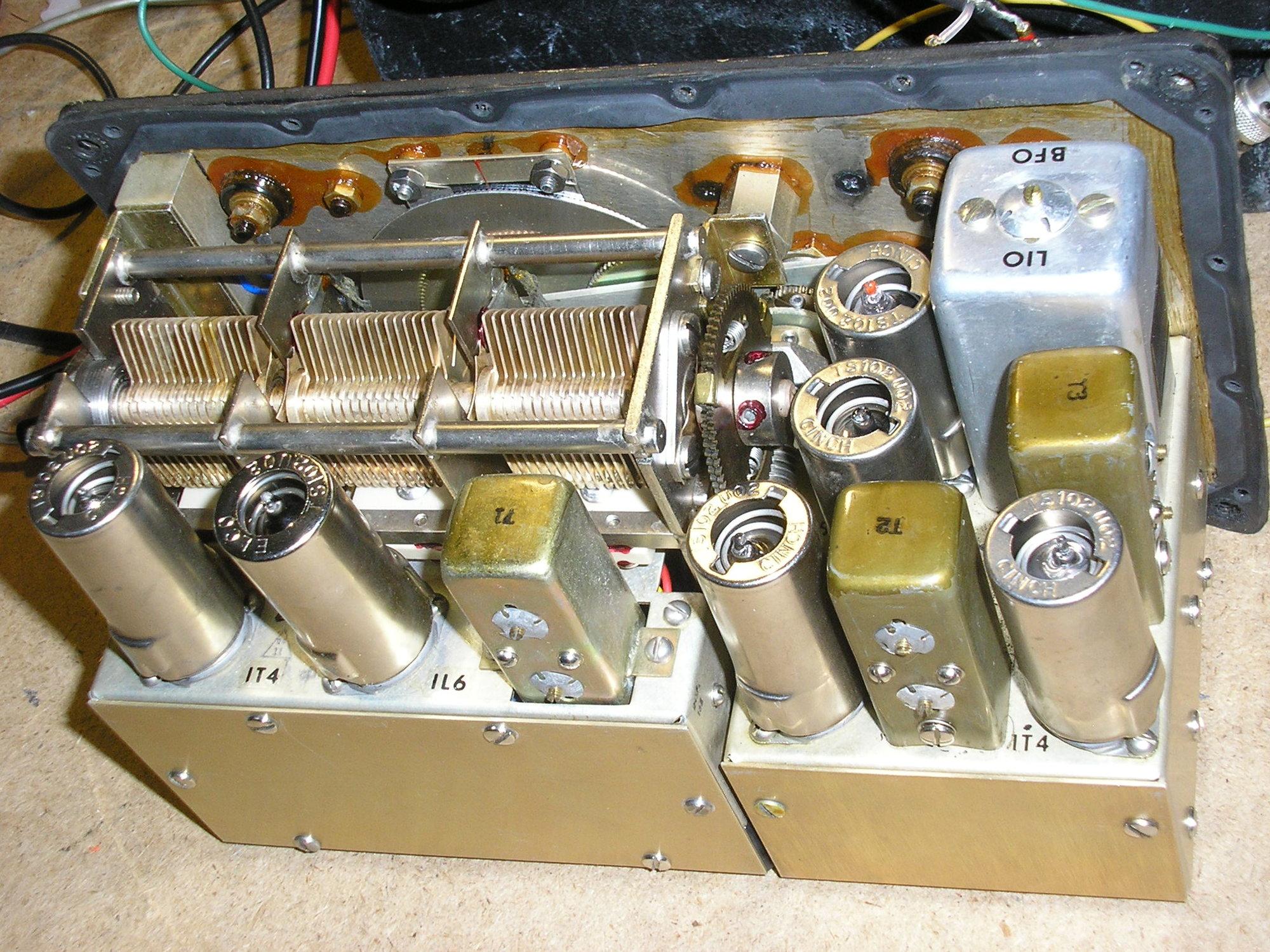 PA040277 Radio.jpg