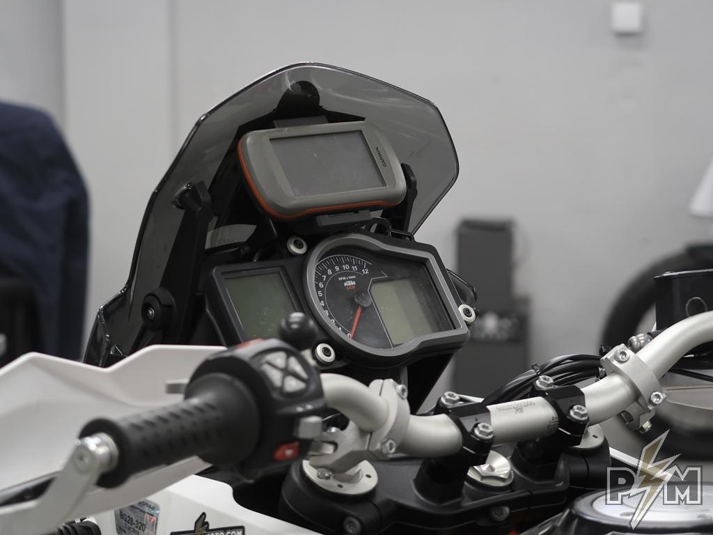 Perun moto GPS Dashboard mount.jpg