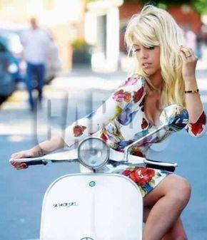 scooter girl wanda nara argentina.jpg