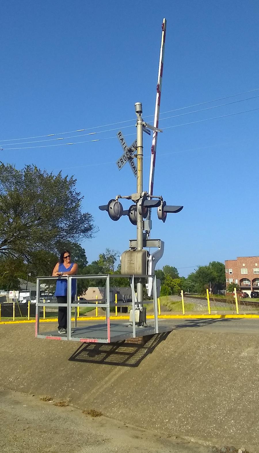 Sheree railroad crossing.jpg