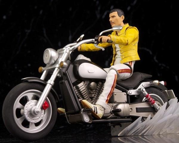 SHF-Freddie-Mercury-Review-by-Hacchaka-image-40.jpg