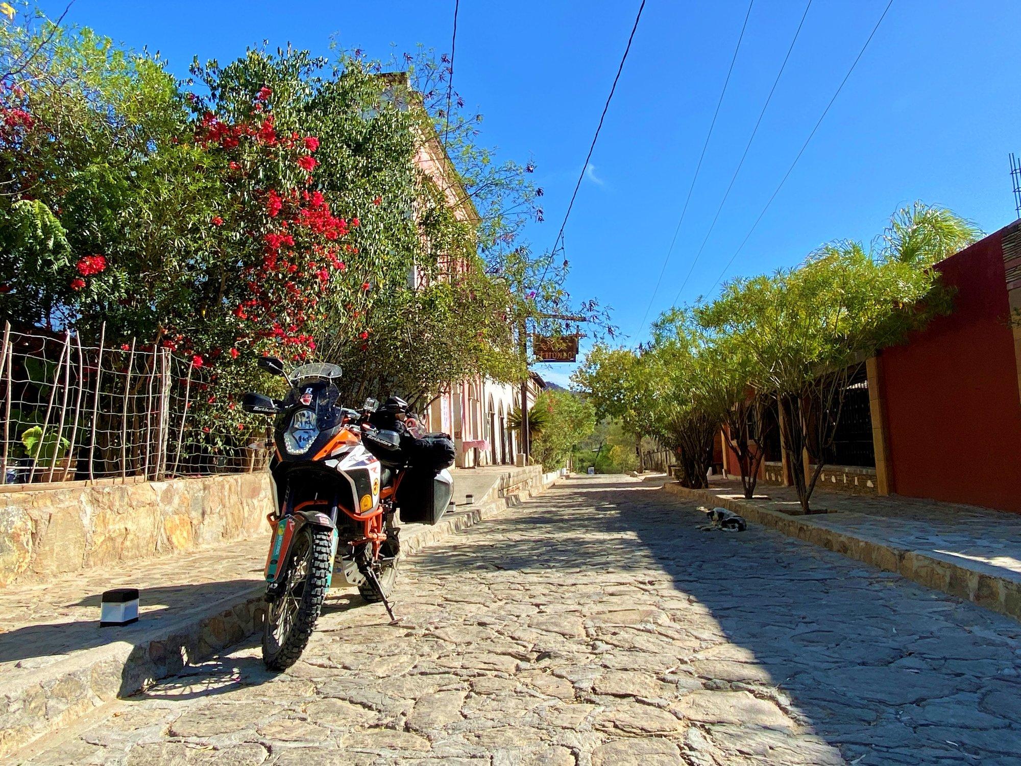 Streets of El Triunfo.jpg