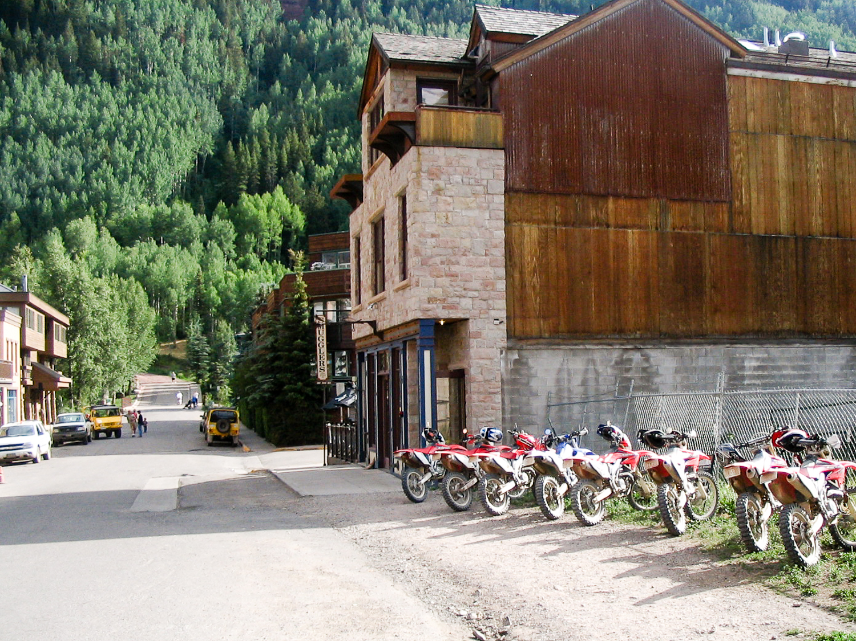 telluired bar w bikes-1555.jpg