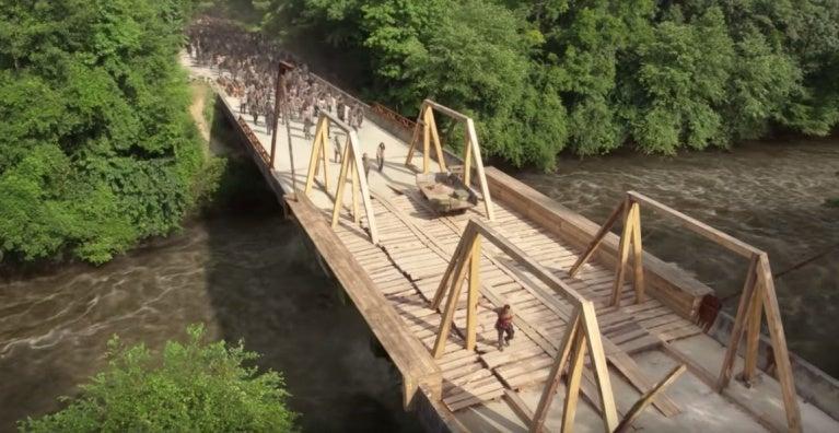 the-walking-dead-rick-grimes-bridge-1141569.jpeg