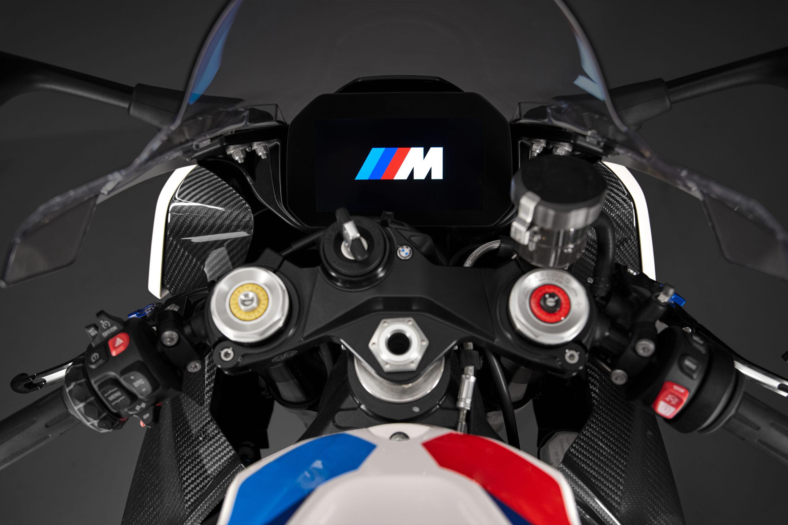 display BMW M 1000 RR