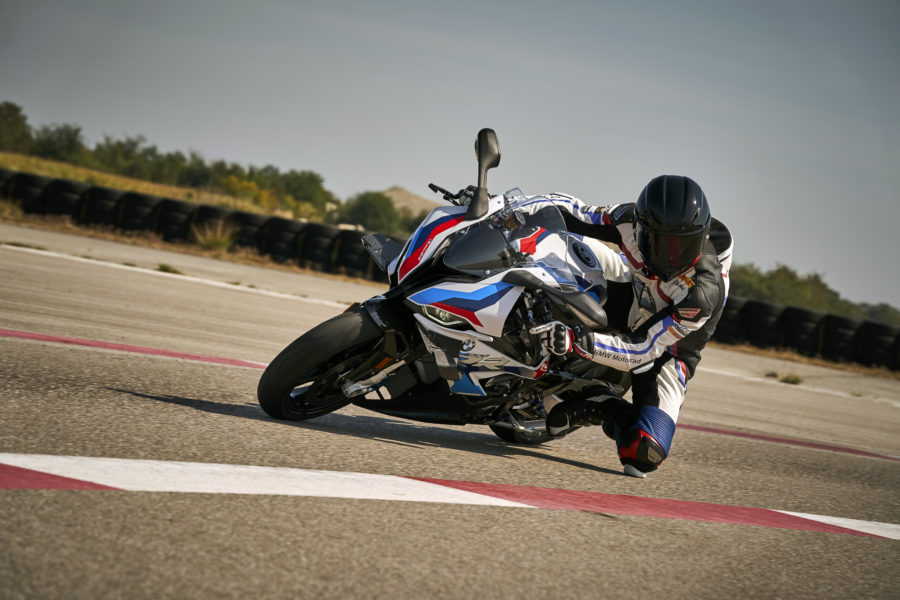 BMW M 1000 RR track