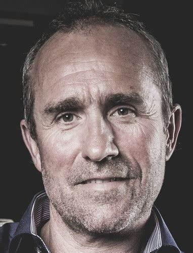 Could you recognize Mr. Dakar, Stephane Peterhansel?
